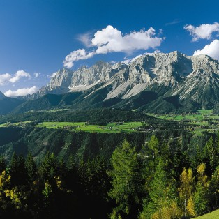 Bergpanorama-Schladming-