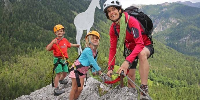 Kletterspaß mit der Familiehstein_raffalt-skaliert