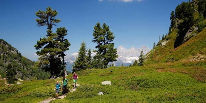 Wandern mit Familie in Schladming Dachstein