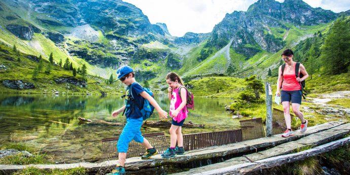 Wandern mit Kindern in der Urlaubsregion Schladming Dachstein