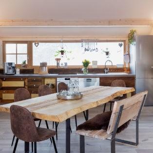 Wohnküche mit Platz für bis zu 9 Personen